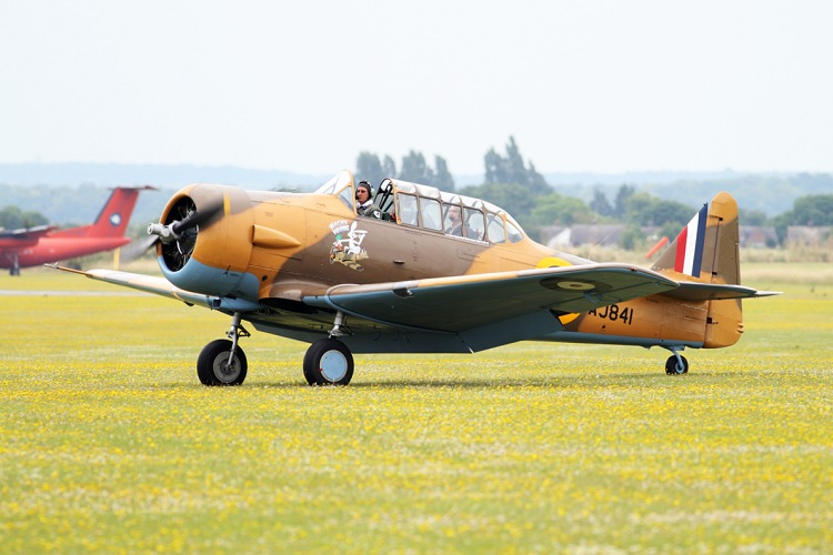 Canadian Car and Foundry Ltd T-6 Harvard Mk.4., registrace G-BJST