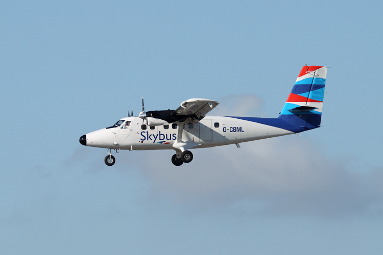 DHC-6-300 Twin Otter, Isles of Scilly Skybus, registrace G-CBML