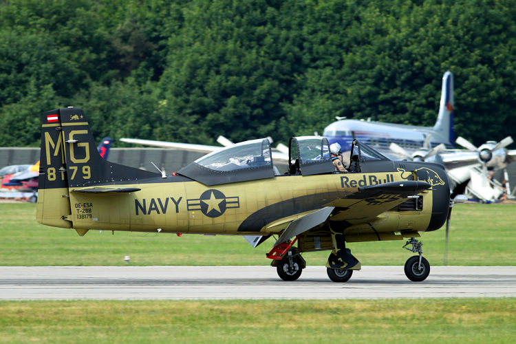 North American  T-28B Trojan, The Flying Bulls, registrace OE-ESA