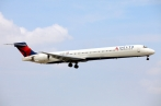 McDonell Douglas MD-90-30